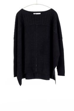 Paychi Guh | Slim Sleeve Poncho, Black, 100% Cashmere