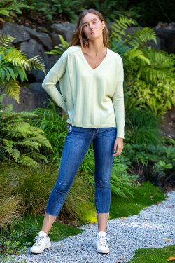 Paychi Guh   V-Neck Pullover, Lime, 100% Refined Cashmere