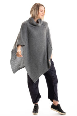 Paychi Guh | Dreamy Poncho, Thunder, 100% Dreamy Cashmere