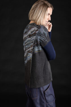 Paychi Guh | Glacier Panel Crew, Flannel/Thunder, 100% Cashmere