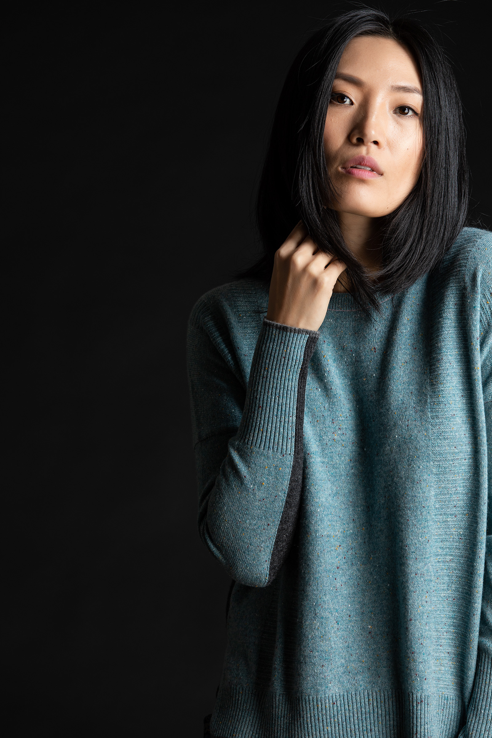 Paychi Guh | Contrast Crew, Lt Teal Speckle/Charcoal, 100% Mongolian Cashmere