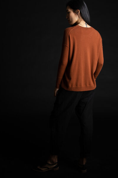 Paychi Guh | Relaxed Luxe Crew, Cognac, 100% Baby Cashmere
