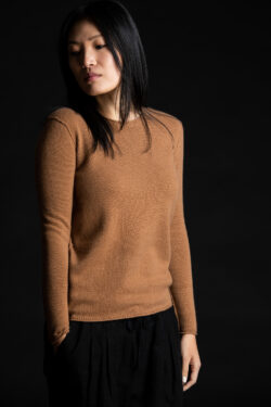 Paychi Guh | Cozy Luxe Crew, Camel, 100% Baby Cashmere